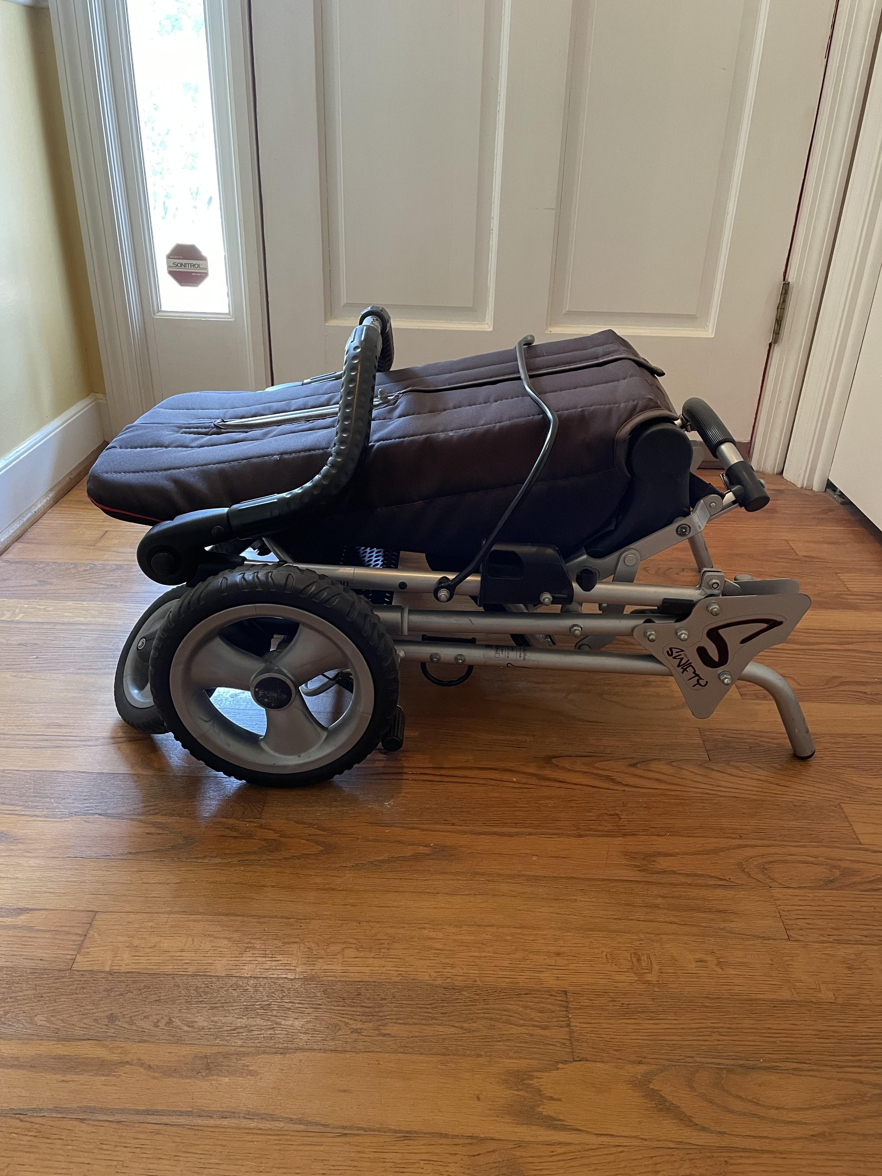 Photo 3 of Easy Swifty Stroller
