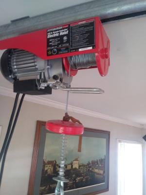 Photo 2 of Remote Controlled Electric Lift